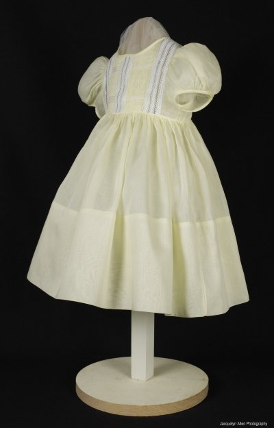 Christning Gowns on Christening Gowns  Christening Dresses  Christening Outfits